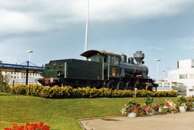 Höyryveturi Ruuhveltti on ollut Kouvolan rautatieasemalla vuodesta 1970 lähtien.