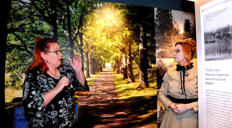 Kouvolan kaupunginmuseoon on saapunut Eija-Liisa Pokki tapaa melkein 400 vuotta sitten kuolleen Gertrud von Ungernin haamun Kartanoiden Kouvola -näyttelyssä.