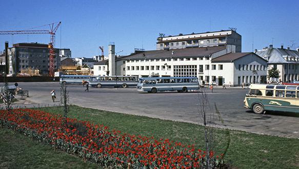 Kouvolan vanha linja-autoasema 1970-luvun alussa.